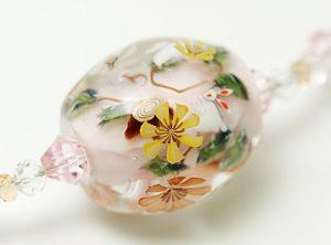 90060 初月MASA ウサギ(ピンク)ビーズ